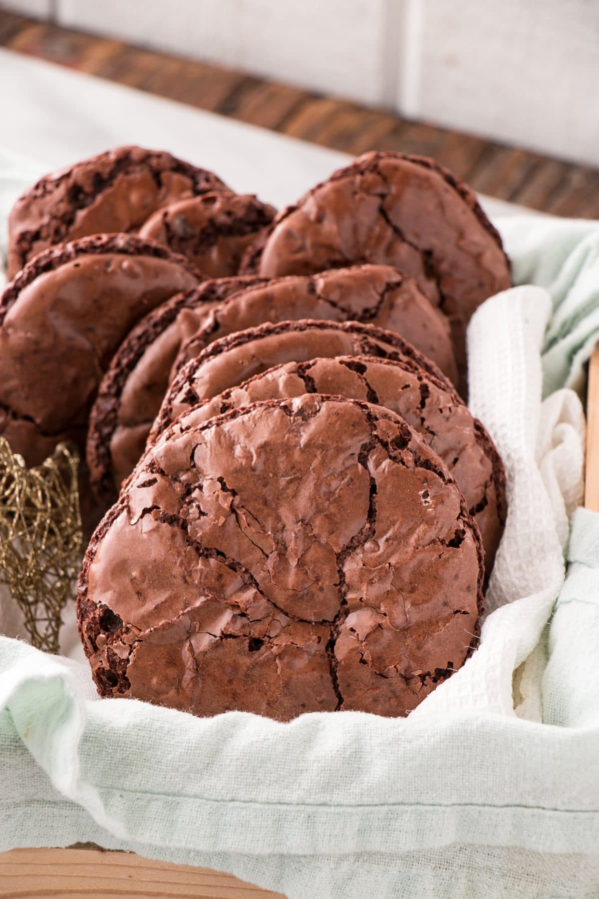Chocolate Brownie Cookies are an easy one bowl cookie that cooks quickly and is a high reward cookie with very little effort. #chocolate #cookies #easybaking