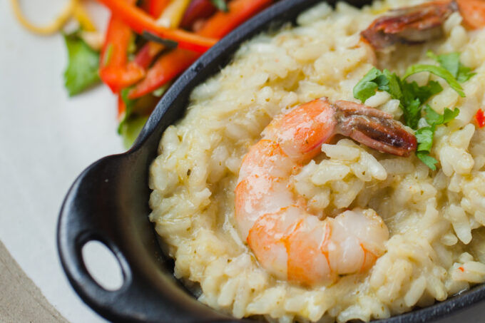 Thai Risotto is a flavourful risotto with a green curry base and bright prawns. paired with a lovely bell pepper salad. #rice #risotto #thaifood