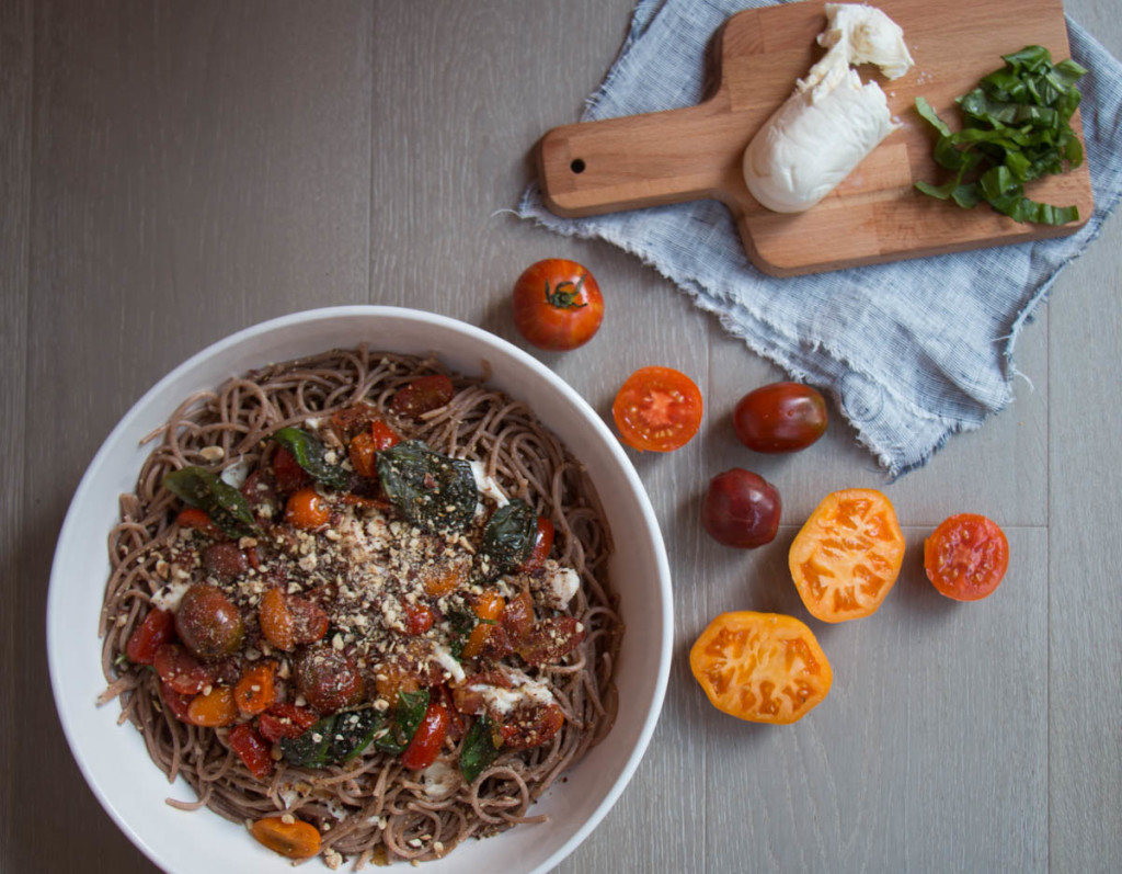 Spaghetti with Tomatoes and Hazelnuts