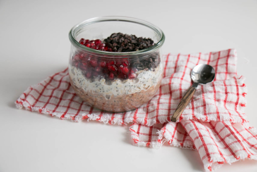 Chocolate and Pomegranate Overnight Oats | My Kitchen Love