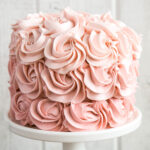 Tips on how to make an Ombré Cake (easily!). #cake #cakedecorating
