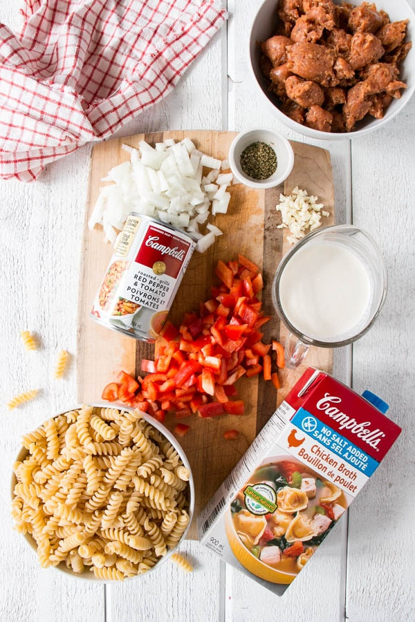 One Pot Creamy Roasted Red Pepper and Tomato Pasta. Comfort food made easy thanks to Campbell's Condensed Soup. #ad #cookwithcampbells