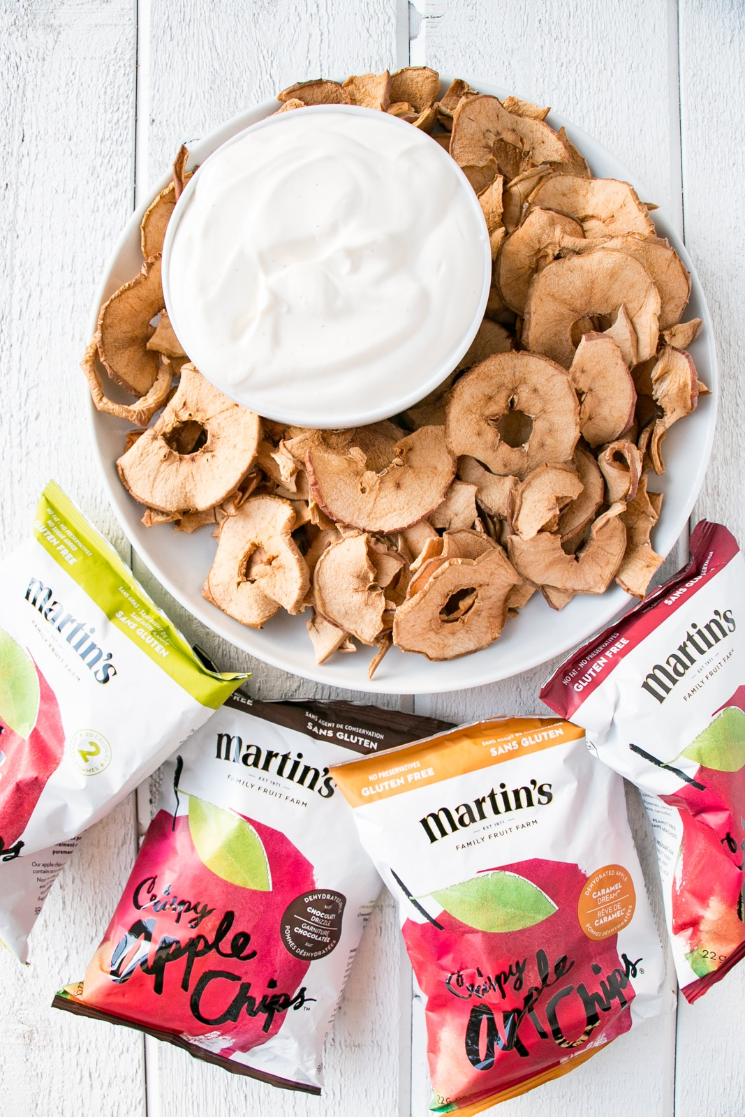 Apple Chips with a sugar-free Yogurt Dip is a great healthy alternative to the regular chips and dip. Make family night still fun, but more healthy with this Apple Chips and Dip recipe! #healthy #ad