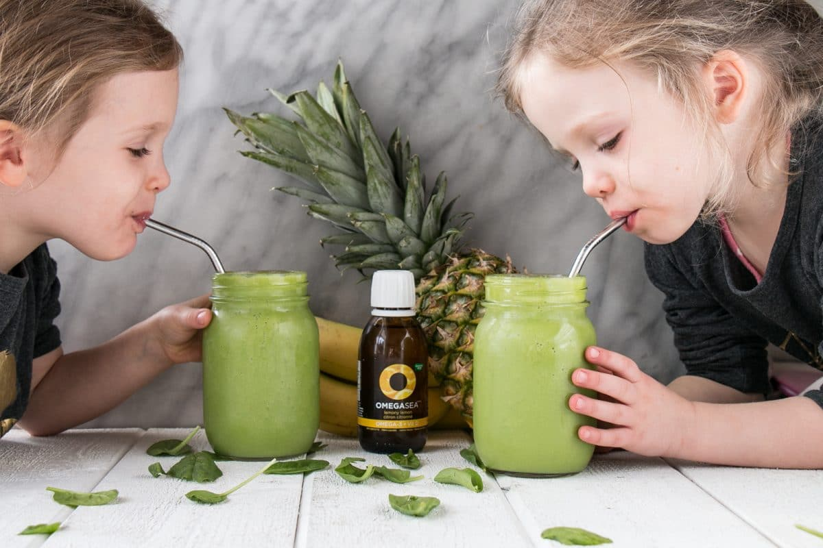 Mom approved and kid loved 4 Ingredient Green Smoothie. Start the day with a healthy smoothie packed with greens, omega 3s, and great taste! #smoothie #kidfriendly#ad