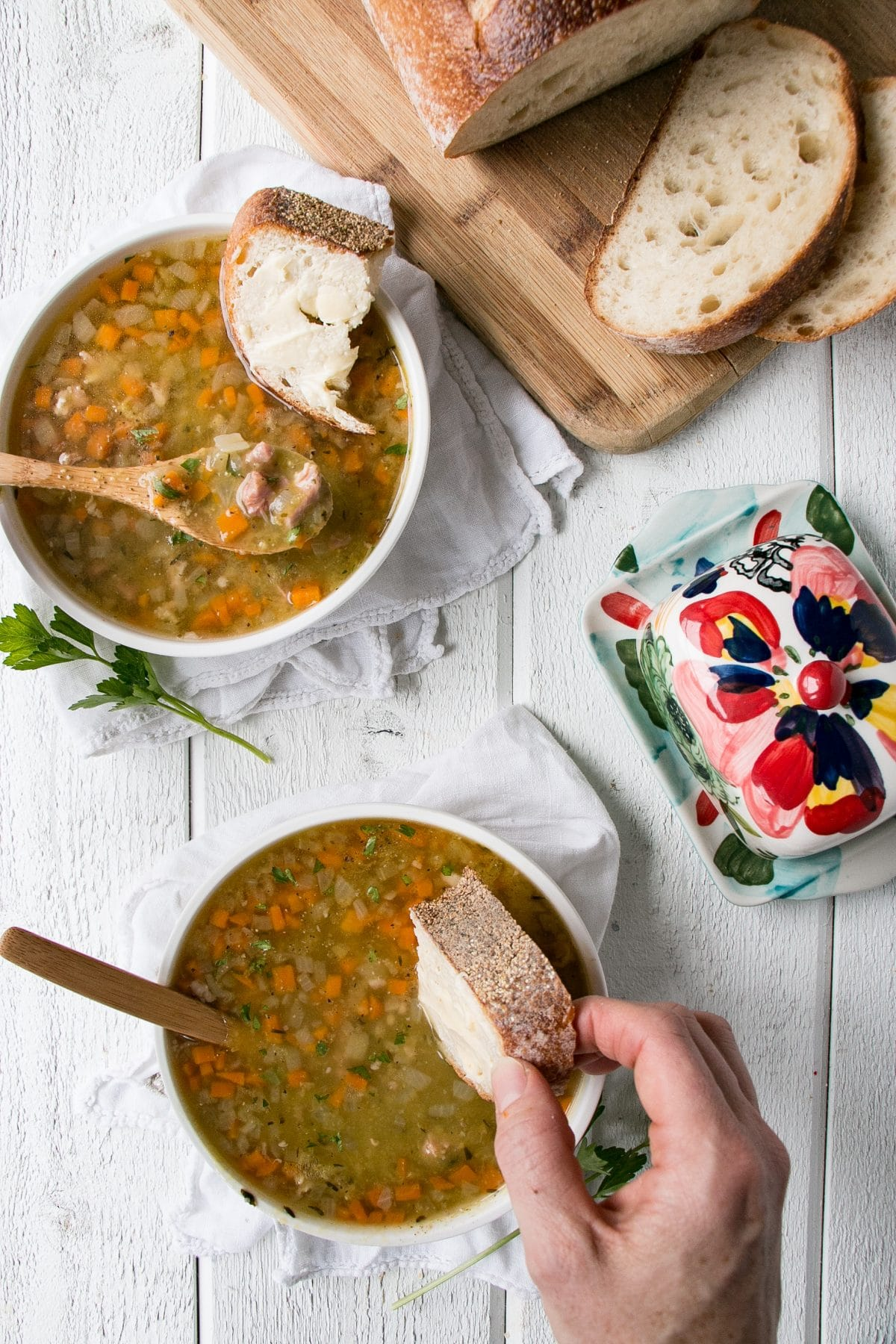 Instant Pot Split Pea Soup is made in under 35 minutes and is filled with vegetables and healthy split peas. #instantpot #soup