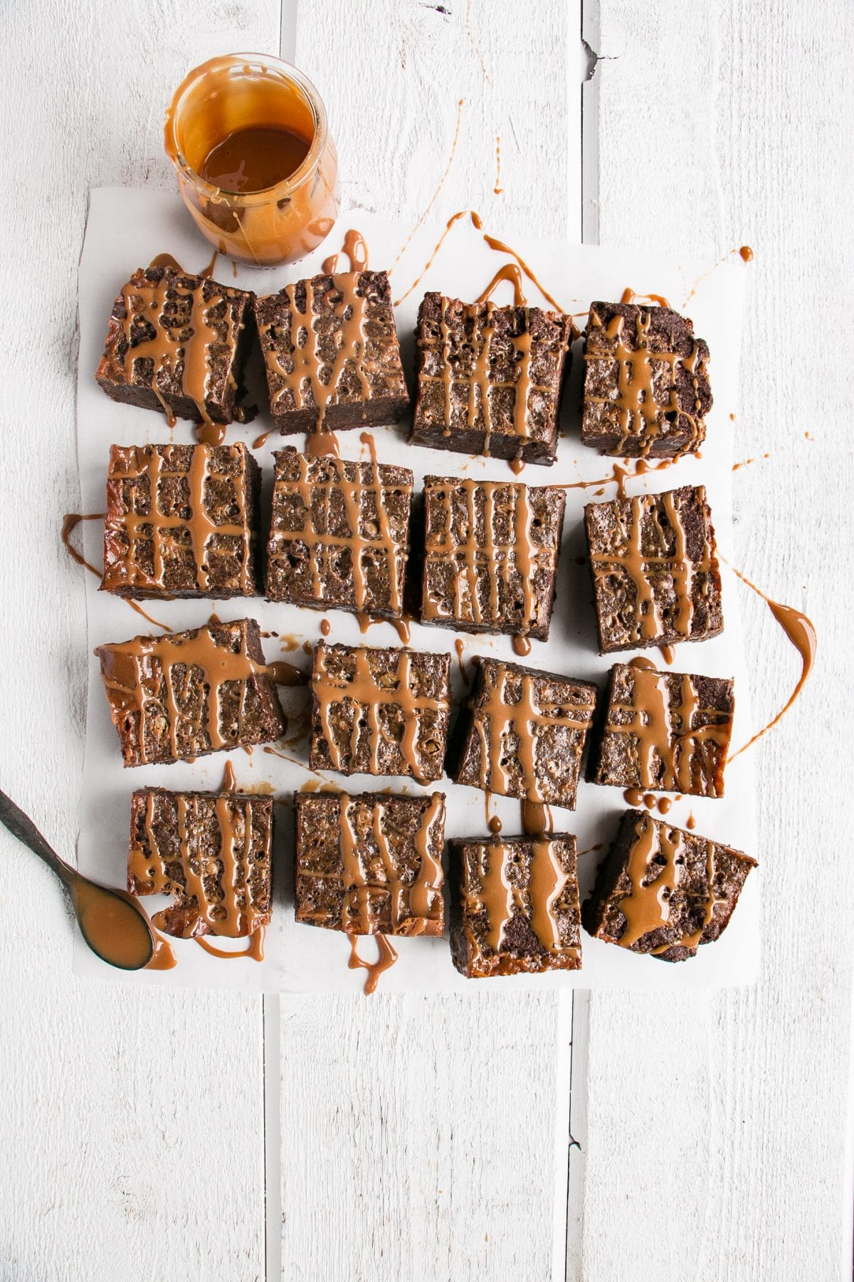 Perfectly chewy and fudgy Ducle de Leche Brownies. #brownies #caramel #dessert #chocolate
