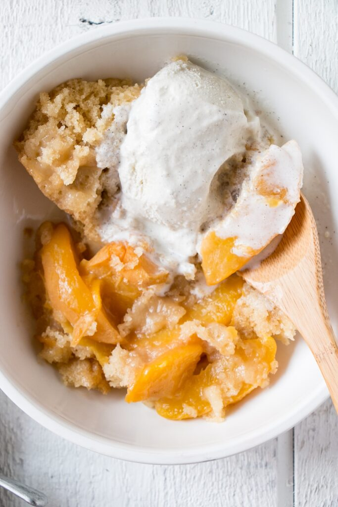 The Best Slow Cooker Peach Cobbler