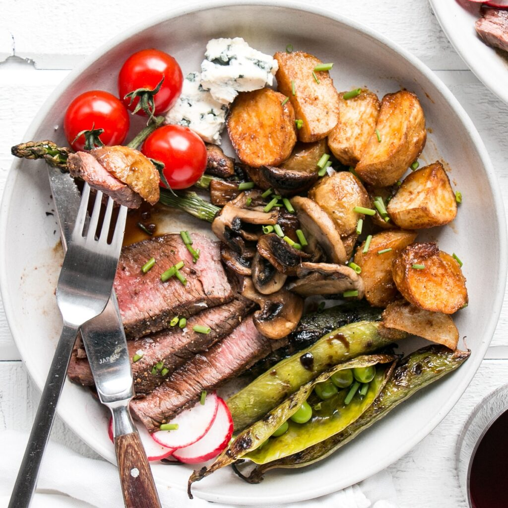Grilled Steak Salad for over 80 grilling recipes.